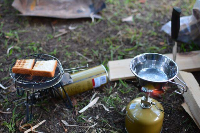 西湖自由キャンプ場でソロキャン。シングルバーナーでキャンプ飯を作る