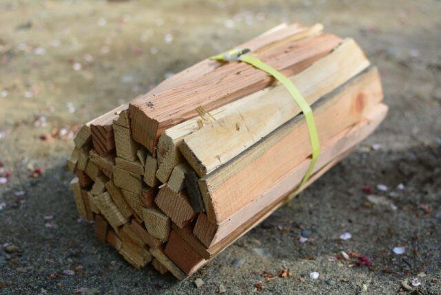 青野原オートキャンプ場の薪