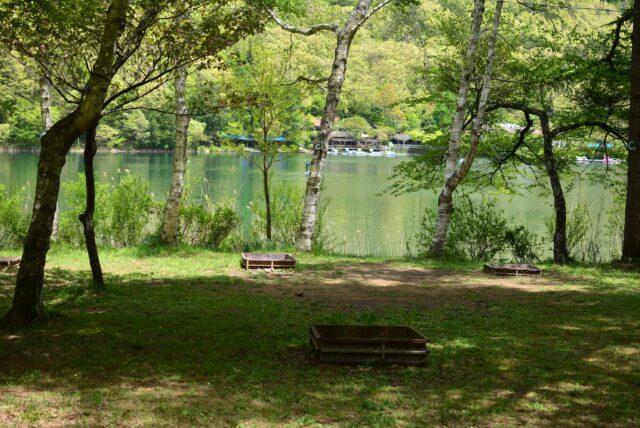 四尾連湖キャンプ場のサイト