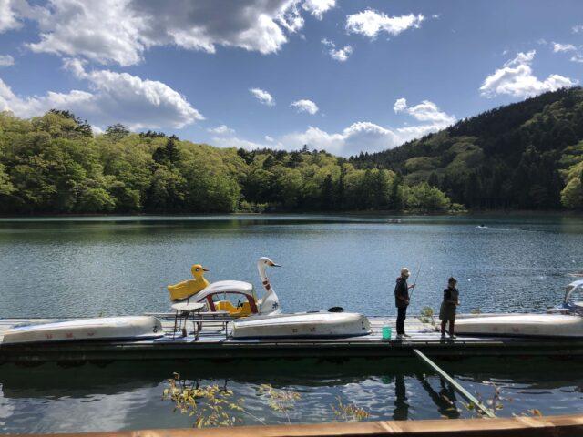 四尾連湖キャンプ場の料金,釣りもできる